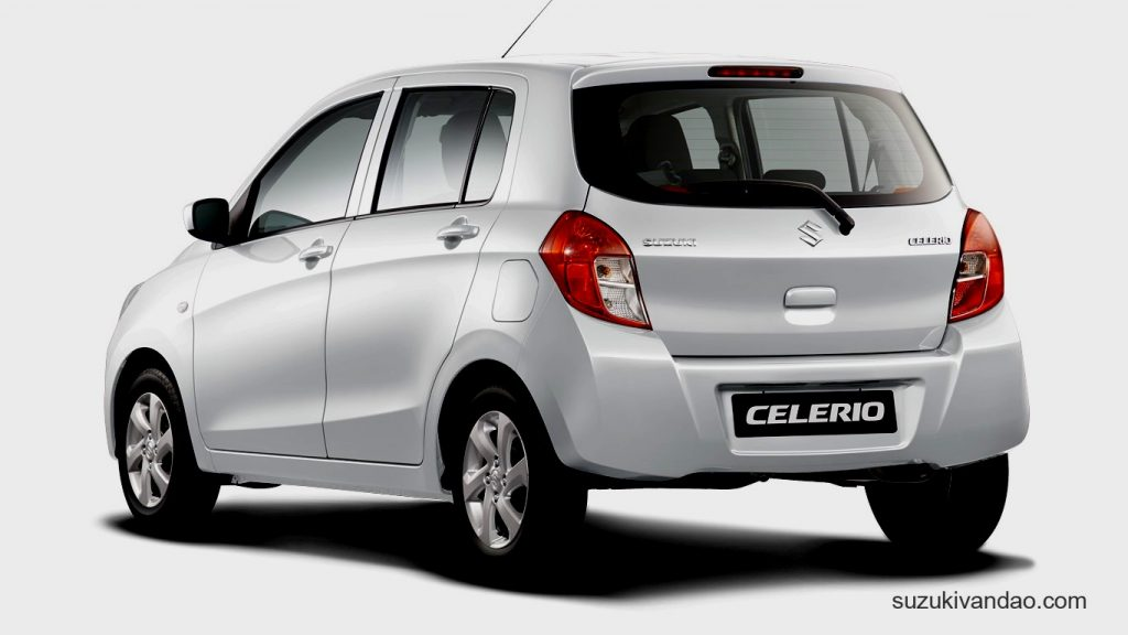 Suzuki Celerio màu bạc
