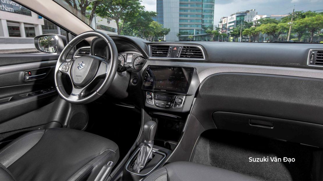 Nội thất Suzuki Ciaz 2020 với màn hình trung tâm lớn
